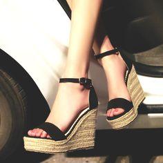 $36.52 (Buy here: https://alitems.com/g/1e8d114494ebda23ff8b16525dc3e8/?i=5&ulp=https%3A%2F%2Fwww.aliexpress.com%2Fitem%2FFashion-New-2015-Women-Sandals-summer-Stilettos-T-High-Heels-Sandal-Black-Beads-Open-Toe-pumps%2F32325432835.html ) 2016 Fashion New Women Summer Sandals Cozy Wedges Platform High Heels Open Toe Straw Buckle Strap ladies leather shoes X0286 for just $36.52