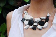 Натуральные камни всегда были в моде, но они, к сожалению, очень дорого стоят и не всегда можно подобрать то, что хочешь. В этом слечае нужно воспользоваться своей фантазией и умением...Давайте сделаем ожерелье своими руками...Для работы нам пот...