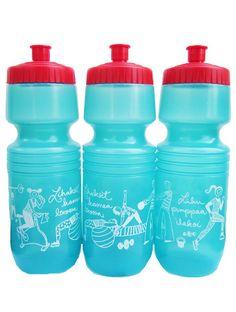 """OI MITE HIENO!   Näppärä juomapullo jumpalle, retkelle, pihalle, sisälle :)  Kuvat kiertää pullon ympäri, siel on puntinnostoo, spinniggii, jumppapalloilijaa, joogaajaa, kahvakuulaajaa ja juoksijaa.   Sit siel lukee """"Lihakset kasvaa levossa""""  ja """"Liiku pumppaa ilakoi""""  Pullo on pehmeää muovia ja siinä on nostokorkki. Water Bottle, Drinks, Drinking, Beverages, Water Bottles, Drink, Beverage"""