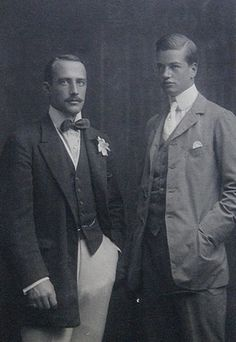 William Kissam Vanderbilt II. and his brother Harold Stirling Vanderbilt.