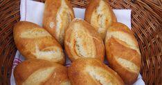 Fantasztikusan érzi magát a kovászom, a belőle kovászolt kovász (kovászos öregtészta) pedig hihetetlen aktivitással kel... Piece Of Bread, Cooking Recipes, Healthy Recipes, Bread And Pastries, Ciabatta, Sourdough Bread, Croissant, Baguette, Bakery