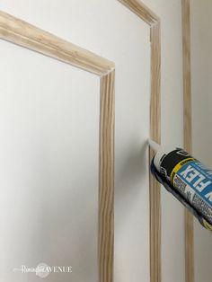 How to install modern wall molding – Remington Avenue So installieren Sie moderne Wandleisten – Remington Avenue Modern Wall Paneling, Wall Panelling, Paneling Walls, Modern Wall Decor, Wall Design, House Design, Wall Molding, Moldings, Wall Treatments