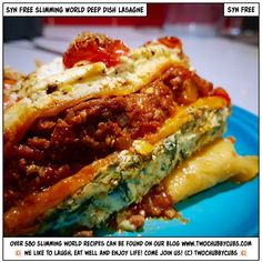 Syn-free and bloody delicious, this perfect syn-free Slimming World deep dish lasagne just keeps on giving - it's so tasty! Easy to make also! Slimming World Lasagne, Slimming World Recipes, Slimming Eats, Mince Recipes, Beef Recipes, Healthy Recipes, Healthy Dinners, Lasagna Recipes, Savoury Recipes