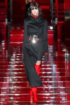 Versace Fall 2015 Ready-to-Wear Fashion Show - Mica Arganaraz