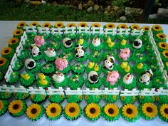 farm theme party | farm cupcakes made for a farm themed bat mitzvah party this was alot ...