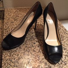 8 1/2 Enzo Angiolini Leather Pumps! Lightly worn Sz. 8 1/2 Enzo Angiolini Black Leather pumps are perfect for your work wardrobe! These lovelies were meant to compete your outfit! Enzo Angiolini Shoes Heels