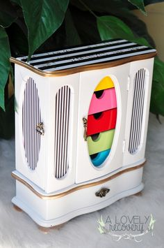 Kate Spade Inspired Jewelry Box diy hand painted quote fun bold bright gold black and white stripes