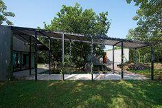 house-on-a-stream-brio-architecture (16)