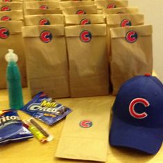 Little league snack bags. This is awesome! I'm doing this on my next turn for bringing snack :)
