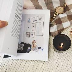 lubisz robić zdjęcia i zaczynasz bawić się fotografią? szukasz lekkiej książki o fotografii? polecam Make Photography Easier Kasi Tusk. Nie znajdziesz w niej szczegółowej wiedzy, a raczej zbiór porad. Przyjemnie i szybko się ją czyta i ogląda Polaroid Film, Instagram, Fotografia
