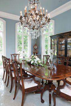 Elegant Dining Rooms: Formal Dining Room Chandelier For Traditional Interior Dining Room Blue, Dining Room Paint, Elegant Dining Room, Beautiful Dining Rooms, Dining Room Design, Dining Table, Formal Dining Rooms, Patio Dining, Beautiful Wall