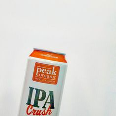 Not ready to give up on a light crisp #IPA with a citrus taste? @peakbrewing #ipacrush is your holiday miracle then. #beerporn #beergasm #beernerd #instabeer #instabeerofficial #craftbeer #craftbeernerd #craftbeergeek #beernerd #beergeek #craftbeernotcrapbeer #beer #cannedbeer