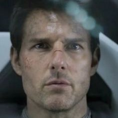 Oblivion International Trailer Starring Tom Cruise - Tron: Legacy's Joseph Kosinski directs this sci-fi thriller about one man living on a post-apocalyptic earth, in theaters this April.