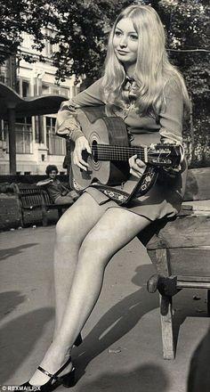 Mary Hopkin.