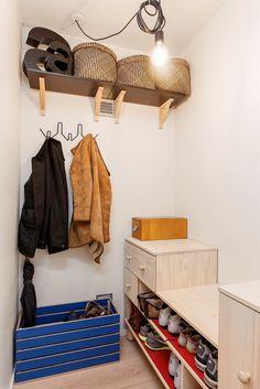 (4) FINN – HARALØKKA - Rålekker 3 roms - Spesialtilpassede løsninger av interiørarkitekt - Innglasset, solrik balkong - Må sees!