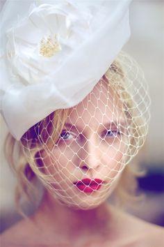Google Image Result for http://1.bp.blogspot.com/_U56yhynHDXY/TRESMHznPNI/AAAAAAAACYM/KiHfJ3ZEBW8/s1600/french-romance-makeup-2.jpg