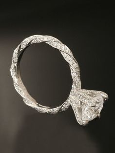 Twisted wedding ring