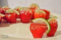 Proyecto 365 de @Ana G. Kato: 088 - Strawberry tequila jello shots.