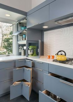 Simple and Ridiculous Tips Can Change Your Life: Small Kitchen Remodel Country simple kitchen remodel home.Mid Century Kitchen Remodel Before After kitchen remodel industrial brick walls.Kitchen Remodel On A Budget Design. Modern Kitchen Cabinets, Kitchen Cabinet Design, Modern Kitchen Design, New Kitchen, Kitchen Decor, Kitchen Ideas, Kitchen Interior, Kitchen Planning, Awesome Kitchen