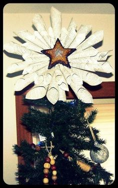 DIY STAR : DIY Shimmering Paper Star Tree Topper