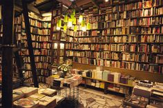 bibliotheca-sanctus:    Shakespeare and Company Bookstore in Paris, France
