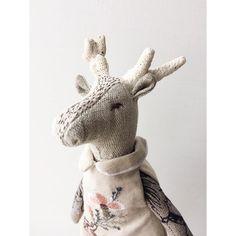 Птица счастья завтрашнего дня Ann Wood, Dappled Light, Deer Art, Taxidermy, Plushies, Dinosaur Stuffed Animal, Teddy Bear, Textiles, Dolls