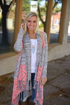 Fall,, Long open cardigan with fringe asymmetrical hem and neon coral diamond print shoulders and back. Casual Outfits, Cute Outfits, Fashion Outfits, Fall Winter Outfits, Autumn Winter Fashion, Spring Outfits, Winter Stil, Mode Chic, Cute Cardigans