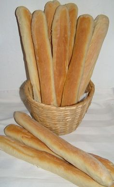 Gubarúd :: Ami a konyhámból kikerül Bread Recipes, Cooking Recipes, Bread Dough Recipe, Hungarian Recipes, Bread Rolls, Baked Goods, Food And Drink, Yummy Food, Snacks