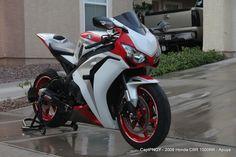 Apuya 2008 Honda CBR 1000RR Fireblade Custom #supermotos #superbikes #fireblade