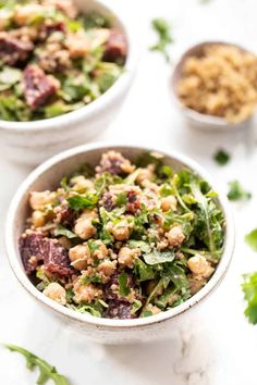 DETOX QUINOA SALAD -- packed with naturally detoxifying ingredients, this salad is tasty and takes less than 10 minutes to make! #detox #quinoasalad #simplyquinoa Salad Recipes Gluten Free, Quinoa Salad Recipes, Healthy Salad Recipes, Whole Food Recipes, Cooking Recipes, Free Recipes, Meatless Recipes, Vegetarian Meals, Clean Recipes