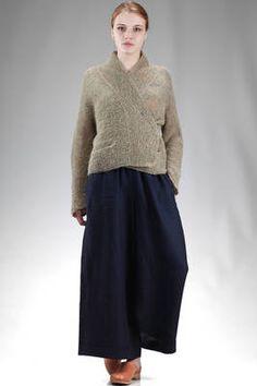 Daniela Gregis   hip length cardigan in garter stitch linen   #danielagregis