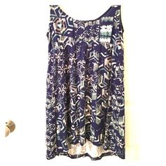 CAbi Mosaic Tunic EUC. Wore 1-2X and washed/hand dried. Style# 359. Super cute top that I would have loved loved loved in a smaller size. Such a cute floral print and really flattering cut! Perfect for the Spring and Summer! Would fit sizes Small and Medium. Feel free to make me an offer :) CAbi Tops Tunics