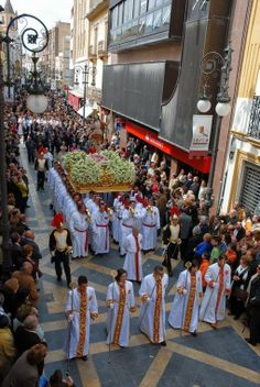 Semana Santa de Lorca (Murcia) | Sitios de España Holy Week, Mother Mary, Salvador, Countries, Catholic, Religion, Bucket, Easter, Faith
