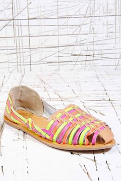 Ecote - Hula The Hurache - Chaussures - Fluo chez Urban Outfitters