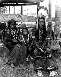 Nez Perce couple and child, Alaska, Yukon Pacific Exposition, Seattle, 1909.