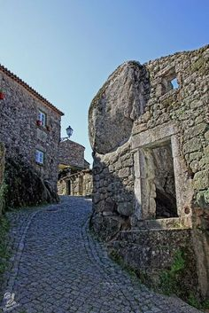 Monsanto - Portugal Village Built Among Rocks | Daily Cool