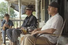 """""""Secondhand Lions"""" Movie Review: Haley Joel Osment, Michael Caine and Robert Duvall in """"Secondhand Lions"""""""