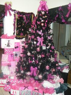 Christmas In Pink And Black