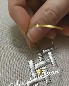 Zardosi Embroidery, Couture Embroidery, Embroidery Fabric, Embroidery Fashion, Hand Embroidery Designs, Beaded Embroidery, Embroidery Stitches, Hand Work Design, Sequin Crafts