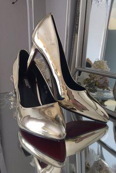 Tasha Gold Court Shoe