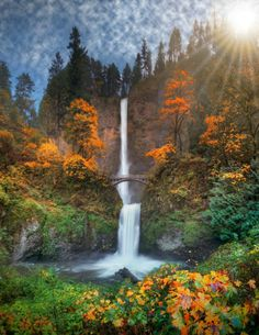 First day of Fall at Multnomah Falls in the great state of Oregon (KGW-TV)