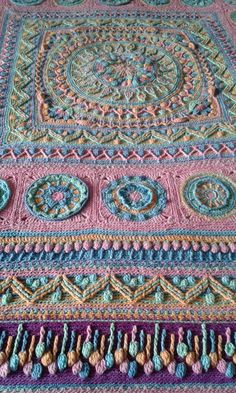 Lilla Bjorn dandelion winter blanket made by Leone Bergman