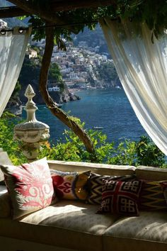 Nice view of the terrace with natural light - Holiday Resort Beautiful Places To Travel, Wonderful Places, Beautiful World, Beautiful Sky, Positano, Beste Hotels, Travel Aesthetic, Great View, Dream Vacations