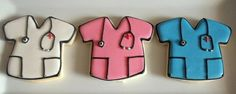 Love love these Scrubs doctor/nurse stethoscope cookies Iced Cookies, Cut Out Cookies, Cupcake Cookies, Sugar Cookies, Frosted Cookies, Cookie Frosting, Royal Icing Cookies, Yummy Treats, Sweet Treats