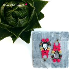 Micro macrame earrings, neon pink and multicolore thread, miyuki delicas seed beads and mother of pearl.   © Natacha Fayard   #macrame #MicroMacrame #miyuki #delicas #SeedBeads #neon #pink #multicolour #MotherOfPearl #boho #jewelry #etsy