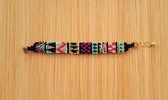 Aztec tribal friendship bracelet pattern number 10821 - For more patterns and tutorials visit our web or the app!