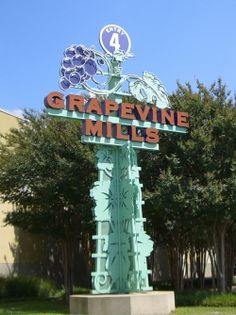 Shopping in Grapevine. Whether you prefer mega-malls with well-known stores, discount outlets, charming boutiques with gifts or small artisan studios with locally-made wares, Grapevine offers a bit of everything for even the most discerning shopper.