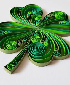 Neli Quilling, Paper Quilling Flowers, Paper Quilling Cards, Quilled Paper Art, Paper Quilling Designs, Quilling Paper Craft, Quilling Comb, 3d Paper, Paper Quilling For Beginners