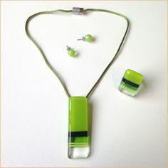 Glass jewelry • 3-piece vertical green set