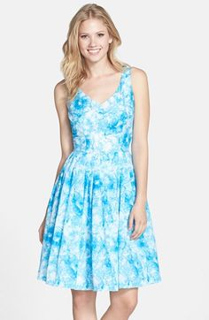The v-neck and full skirt of this Kaya & Sloane Cloud Print Fit & Flare Dress from #Nordstrom works well to help balance the silhouette of an inverted triangle body shape. Learn how to dress your body shape and find items that work best for you while helping women in need at Styletruist.com!